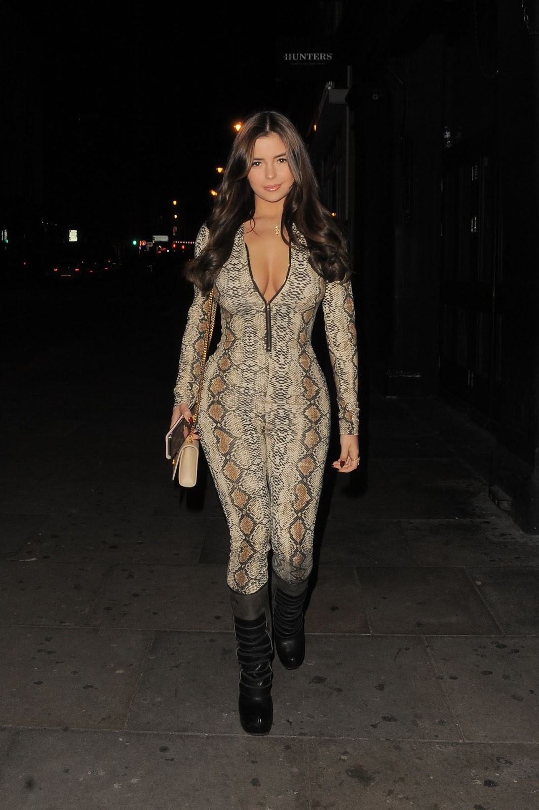 Demi Rose - Night out the friends in Shorditch London 12/30/2018