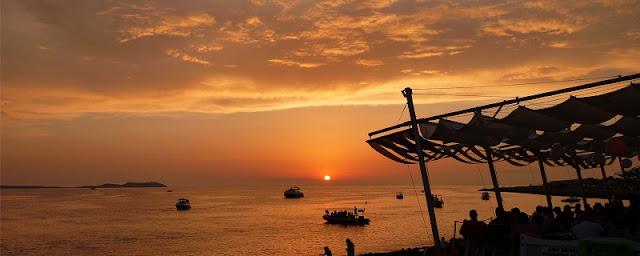Pôr-do-Sol no Café del Mar em Ibiza