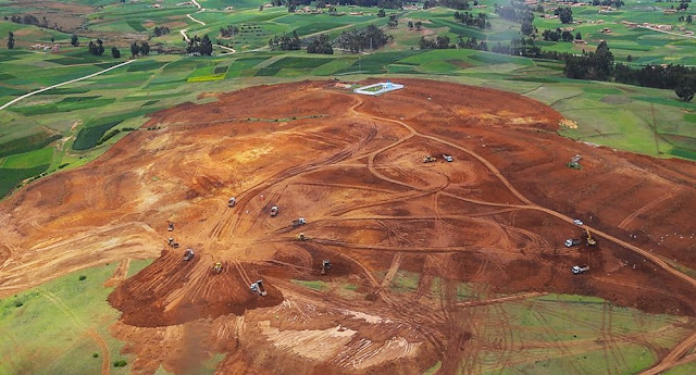 Construcción del Aeropuerto Internacional de Chinchero en Cusco