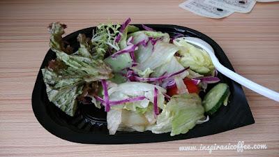 Sarapan dengan mengkonsumsi Salad