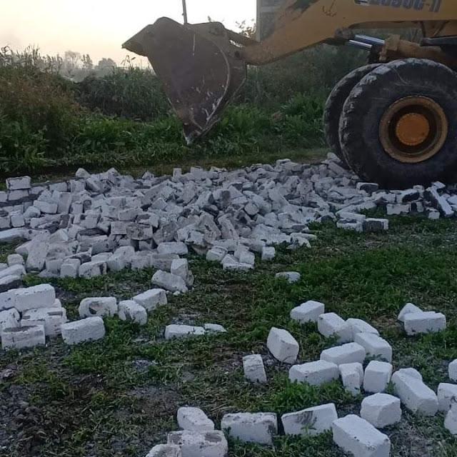 إزالة ٢٦ حالة تعدي على مساحة ١٠٢٢٧ م٢ بنطاق ٦ مراكز بالبحيرة.