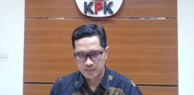 Terjaring OTT, Siang Ini KPK Terbangkan Bupati Lampung Utara Cs Ke Jakarta