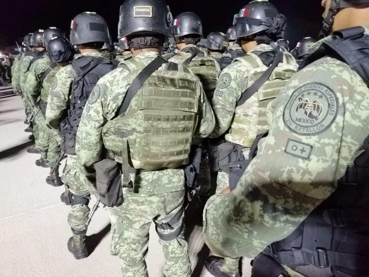 Se cumplió el objetivo de capturar a un delincuente, pero cobardemente amenazaron con atacar a mujeres, niños, estudiantes y familias: Militares cuentan lo sucedido en Culiacán