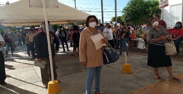"""Protesta de derechohabientes por """"paro"""" en servicios en el ISSSTE Lindavista"""