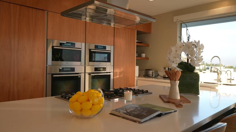 28 Photos vs. Tour 9444 Sierra Mar Pl, Los Angeles, CA Ultra Luxury Home Interior Design