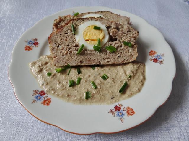 Pieczeń rzymska z sosem z pestek dyni