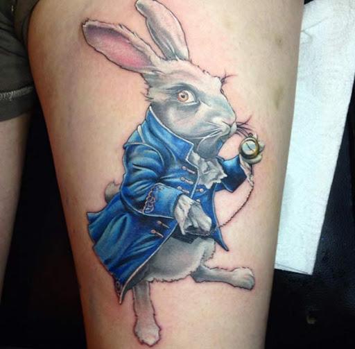 Este relógio empunhando coelho