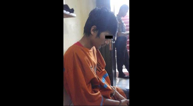 Curi HP Tetangga, Seorang Pria Diciduk Polisi Saat Minum Tuak
