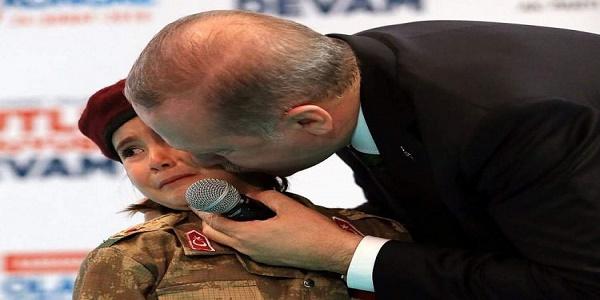 Είναι ψυχοπαθής ο Ερντογάν; Δείτε τι είπε στο κοριτσάκι που έκλαιγε για τον πόλεμο | Βίντεο