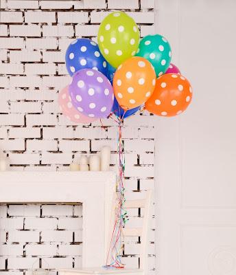 Decoración con globos y lunares
