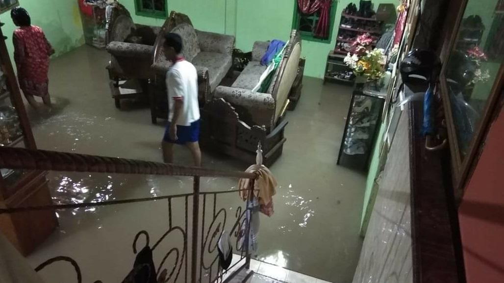 Pattiro Sompe Bone, Terendam Banjir
