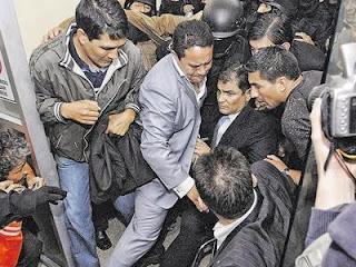 Aumentan sueldos a polic as y militares v speras a la for Sueldos del ministerio del interior
