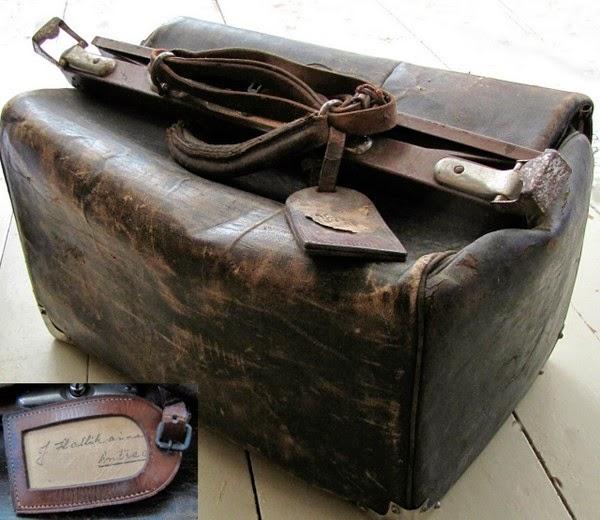 nahkainen lääkärinlaukku kirppislöytö 1930 sodan aikainen