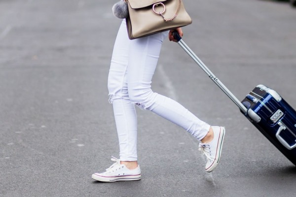 4-Tips-Memilih-Sneakers-Wanita-yang-Tepat