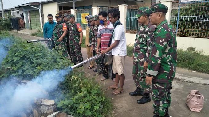 Antisipasi Wabah Penyakit Pasca Banjir, Koramil 06/Setu Adakan Fogging