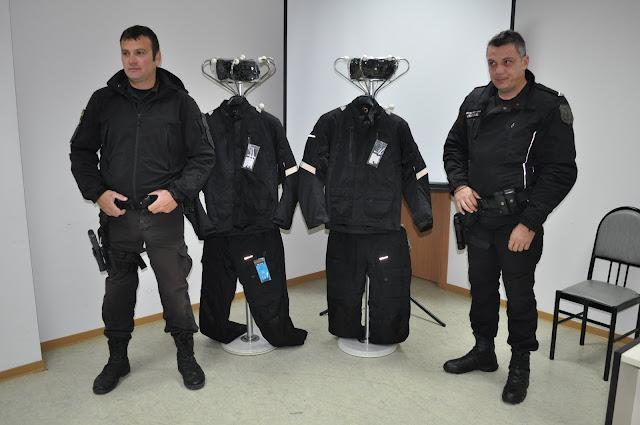 Δεκαέξι στολές μοτοσυκλετιστών χορηγία της ALPHA BANK στους αστυνομικούς της Αργολίδας