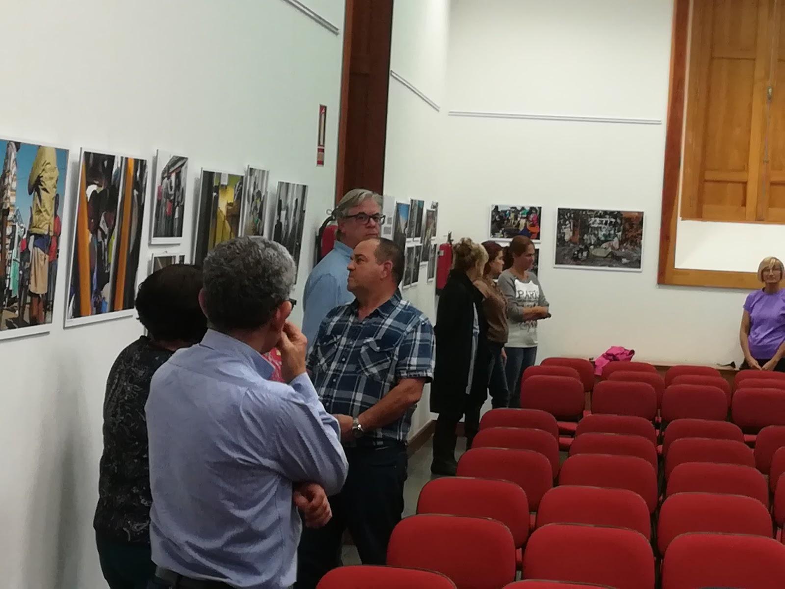 Arucas vive la oficina de turismo acoge la exposici n for Oficina turismo canarias