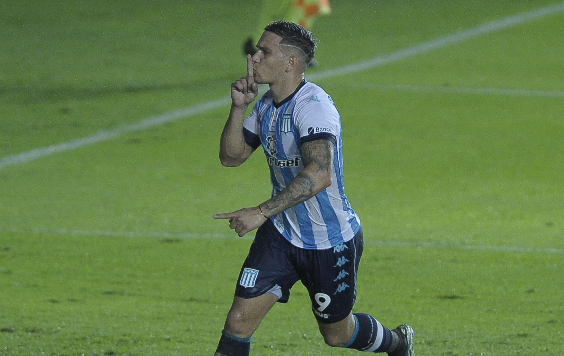 Racing festejó sobre la hora en el clásico ante Independiente