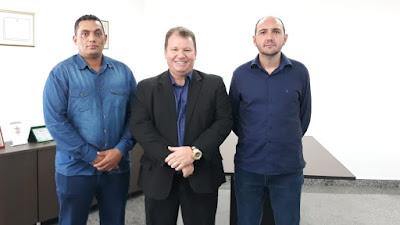 Dr. Neidson recebe lideranças de Nova Mamoré para discutir iluminação pública do município