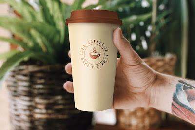 kemasan mockup gelas kopi
