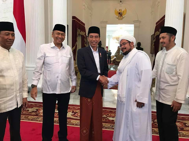 GNPF MUI Mendadak Temui Jokowi, Rizieq Putus Asa