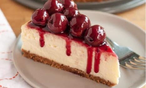 christougenniatiko-cheesecake-me-vasi-apo-melomakarona