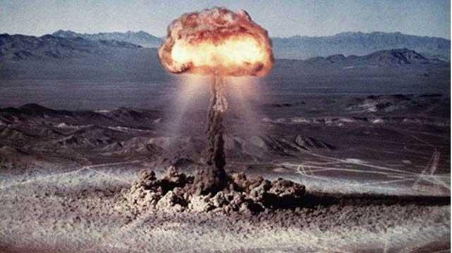 Pernah Ada Uji Coba Bom Nuklir di Sahara