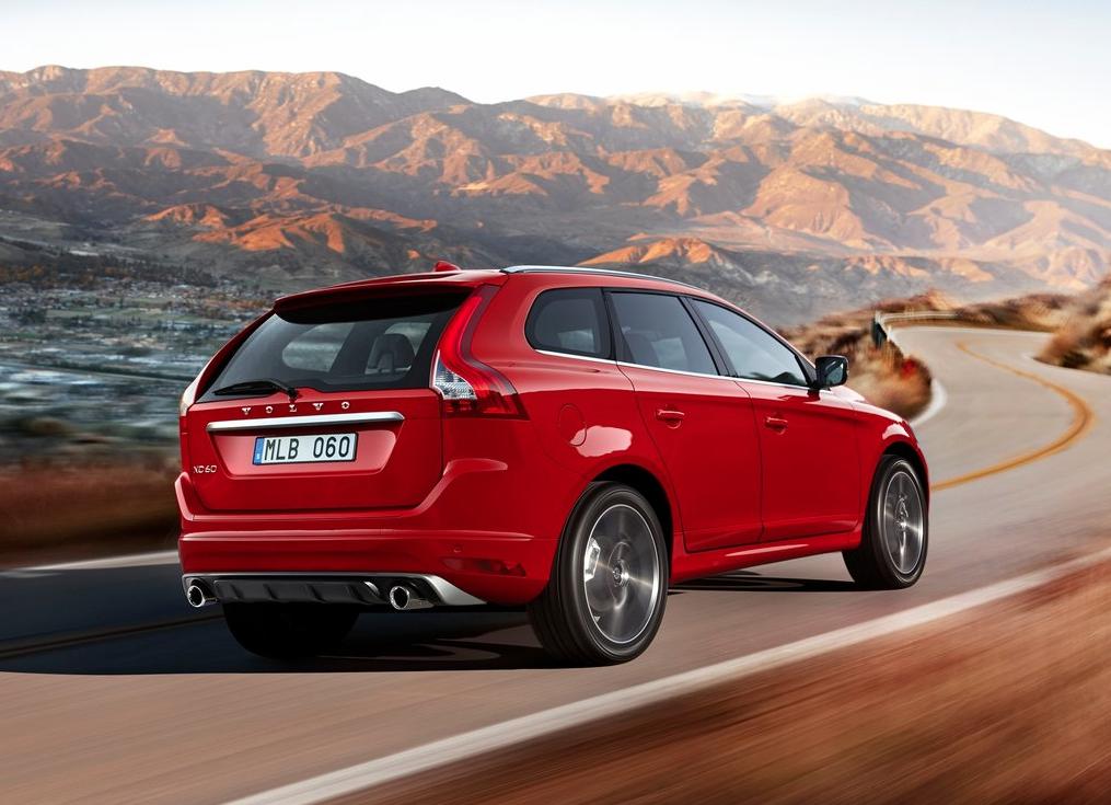 2015 Volvo XC60 R Design Red