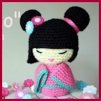 Pequeña Kokeshi a crochet