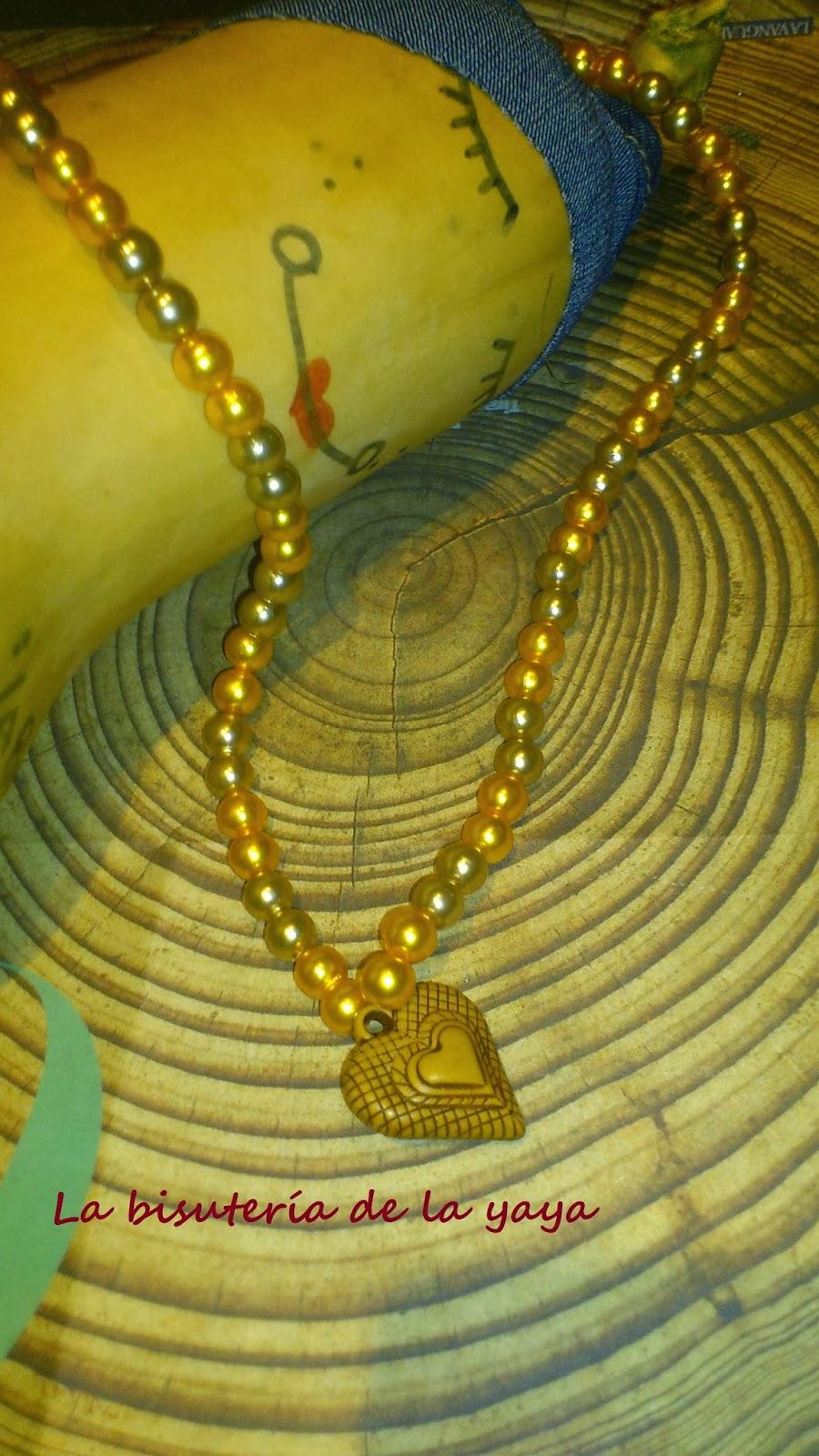 bd326b1ddf13 ... que la yaya ha hecho con colgante (aun que también dispones del collar  sin colgante)