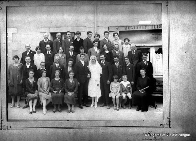Vieille photos de mariage noir et blanc en Auvergne.