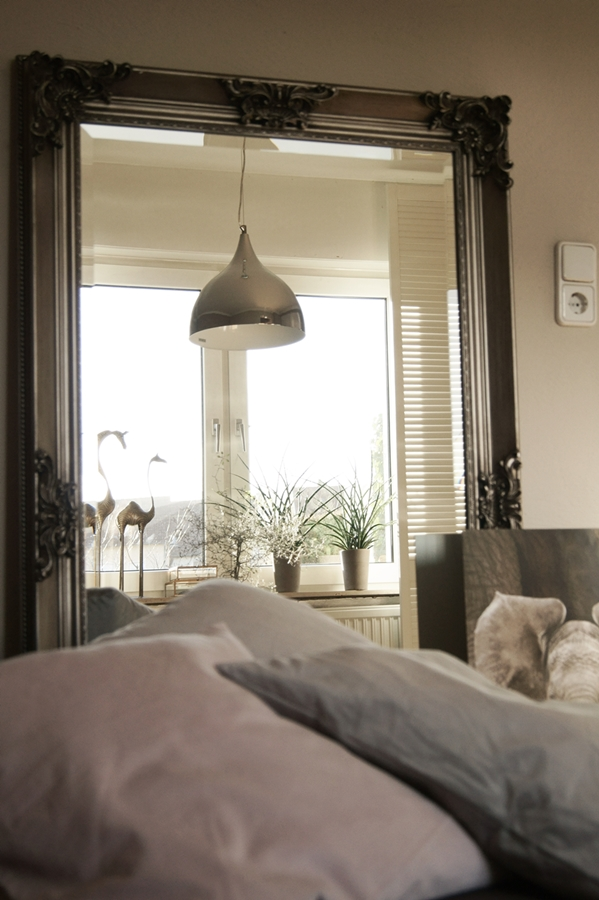 Blog + Fotografie by it's me! - Barockspiegel mit Fensterspiegelung