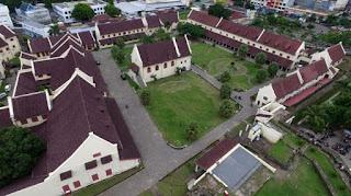 tempat bersejarah Fort Rotterdam gambar di atas udara