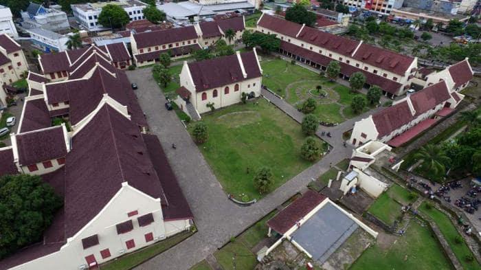 Berwisata ke Benteng Peninggalan Bersejarah Kerajaan Gowa Fort Rotterdam dan Somba Opu