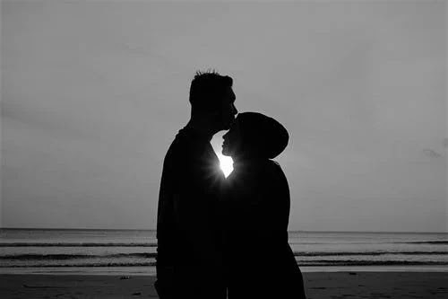 كيف اجعل زوجي يحبني ويحترمني ولا يرى غيري