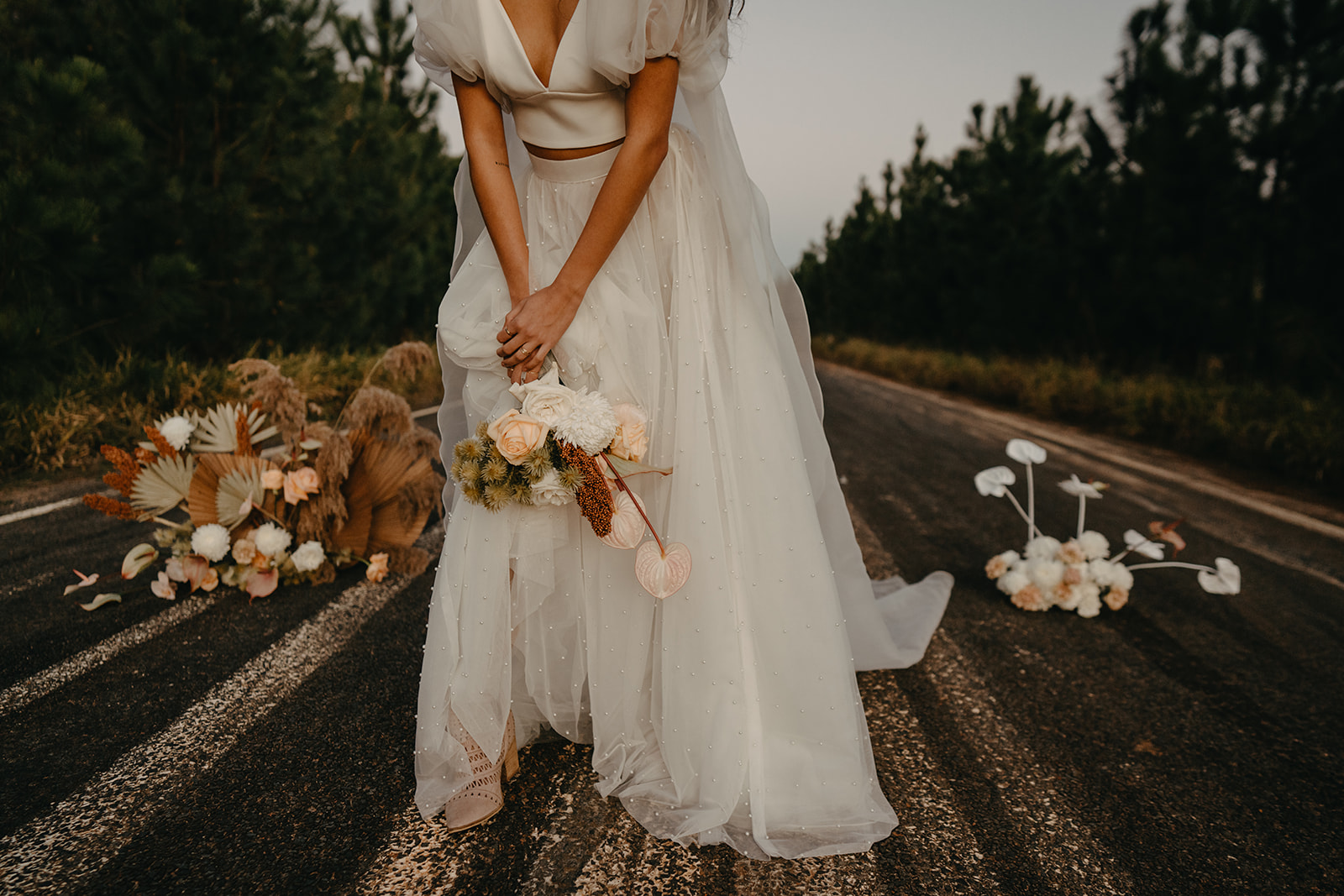 angela cannavo photography karen willis holmes skirt alternative bridal bouquet florals