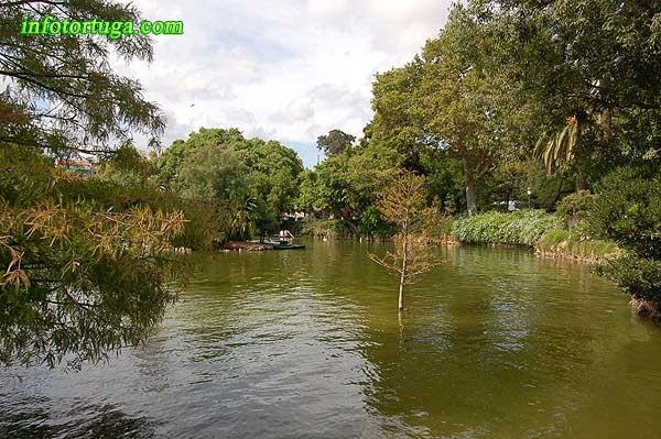 Vista general del llac del Parc de la Ciutadella