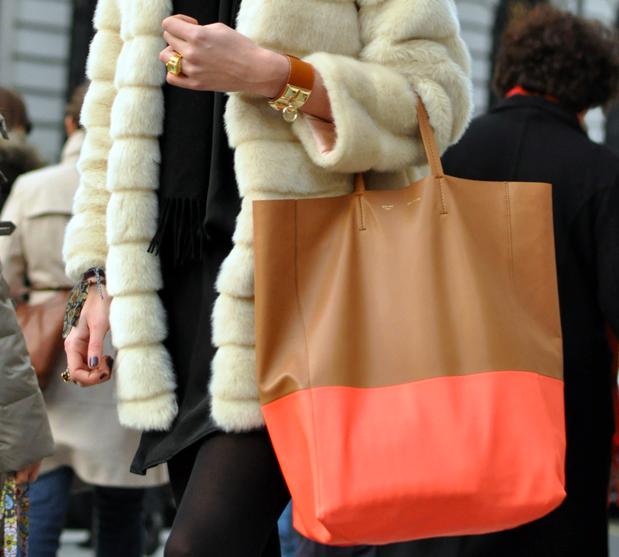 4bb9199a5 Para quem já quer estar na moda em 2013,aqui vai uma dica:bolsas e sapatos  bicolores serão tendência. E não será apenas combinações preto e branco  não,mas ...