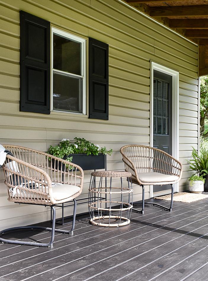 Modern deck decor