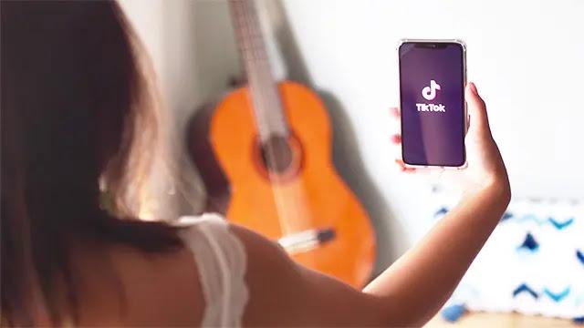 الصين تسمح للقاصرين الذين تقل أعمارهم عن 14عاماً باستخدام تيك توك