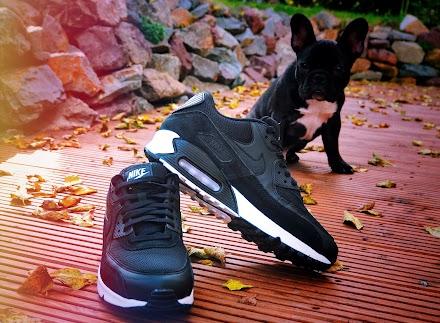 Nike Air Max 90 Essential Black Black White #GetBackToIt | Ein Herbst-Sneaker