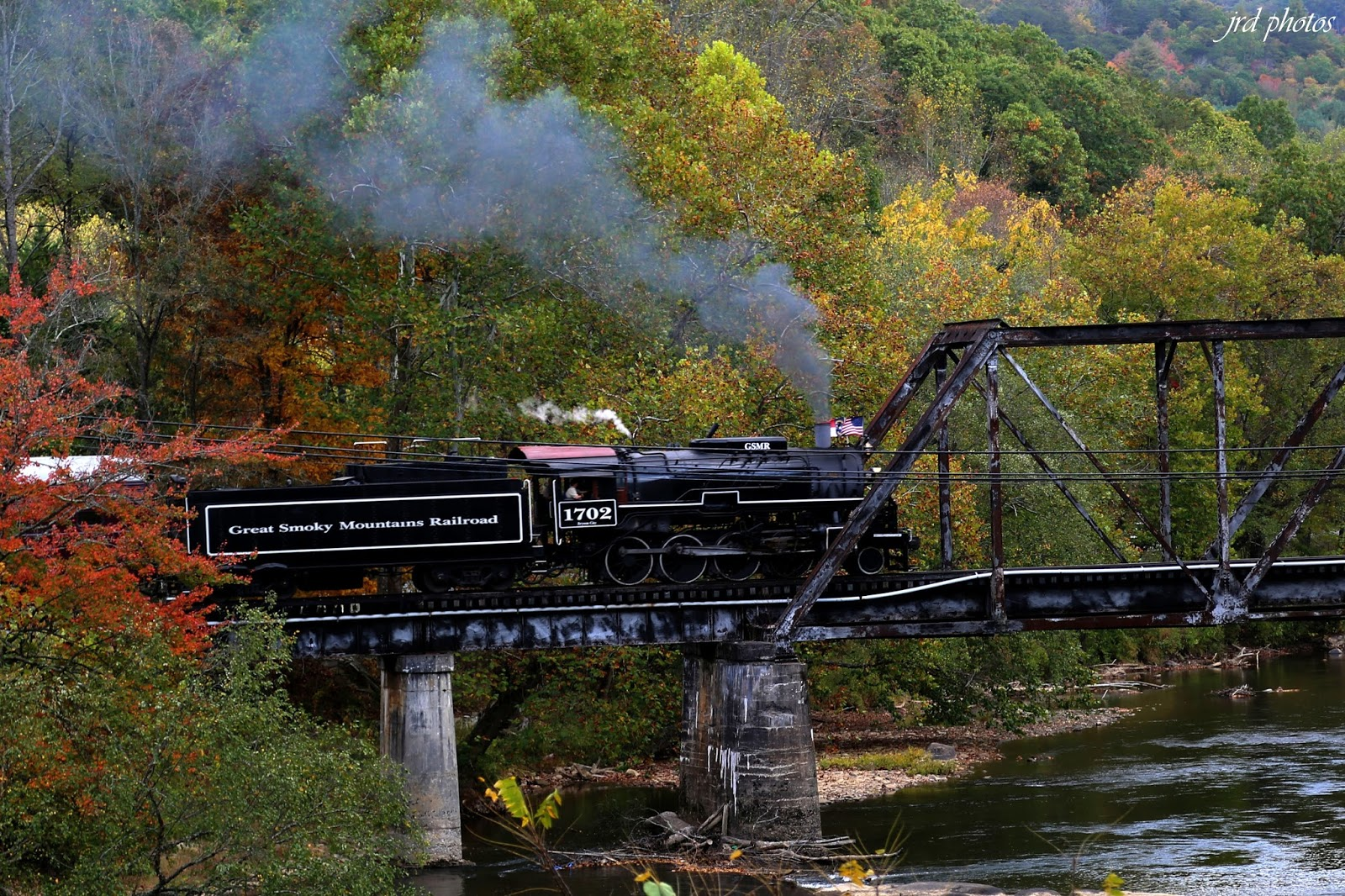 Nov 30,  · A mile rail journey through valleys, inside winding tunnels and across spectacular gorges of the Great Smoky Mountains.4/4(K).