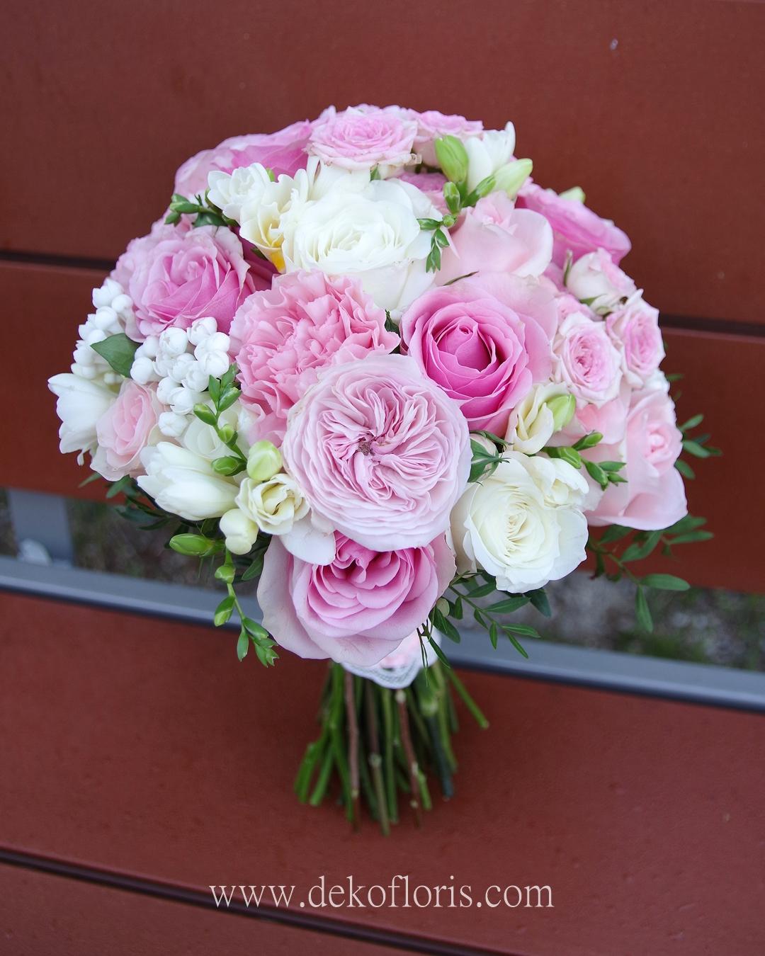 Różowy bukiet ślubny Panny Młodej - pudrowy róż róże