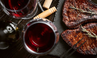The Best Drinks To Enjoy With Steak