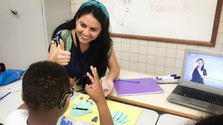 Conheça a professora brasileira finalista do Nobel educação
