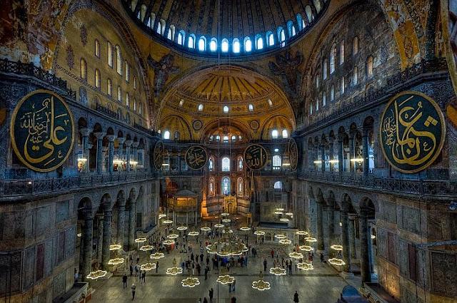 Hagia Sophia Kembali Menjadi Masjid, Paus Fransiskus Tersinggung dan Mengaku Sangat Sedih