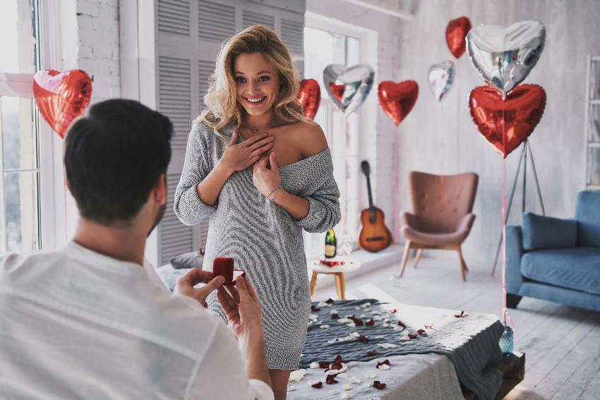 Zaręczyny w Walentynki? Sprawdź co myślą o tym kobiety!