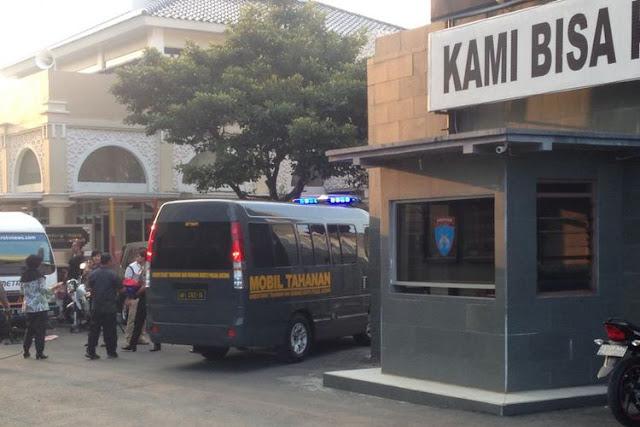 Gerak-gerik Mencurigakan di Mapolda Jateng, MR Ditangkap Polisi