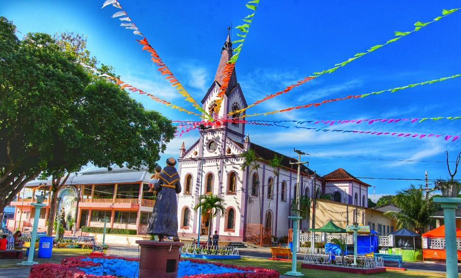 Católicos de Oriximiná celebram neste domingo (02) o Círio do Santo padroeiro Santo Antônio.