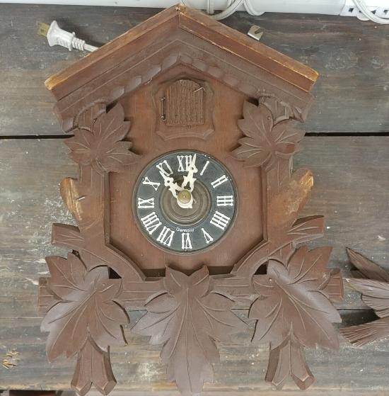 Upcycled Cuckoo Clock Before